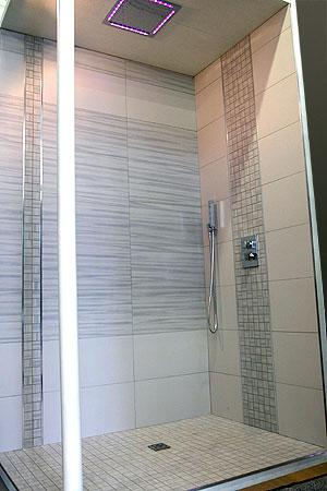 Fusion carrelage et bain for Colle carrelage salle de bain